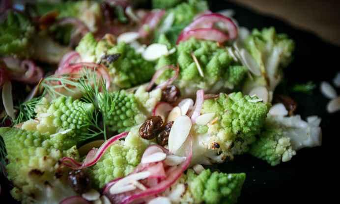 Романский салат из цветной капусты на гриле