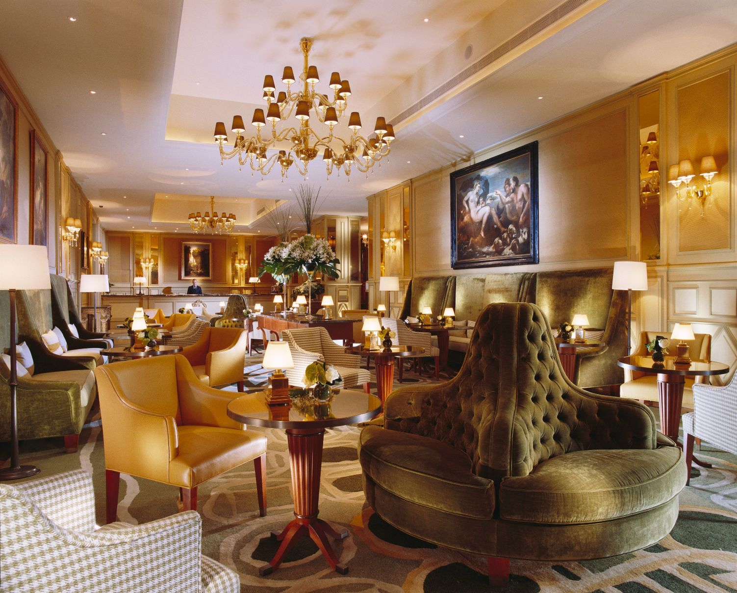 Устричные субботы в Il Salotto Lobby Lounge