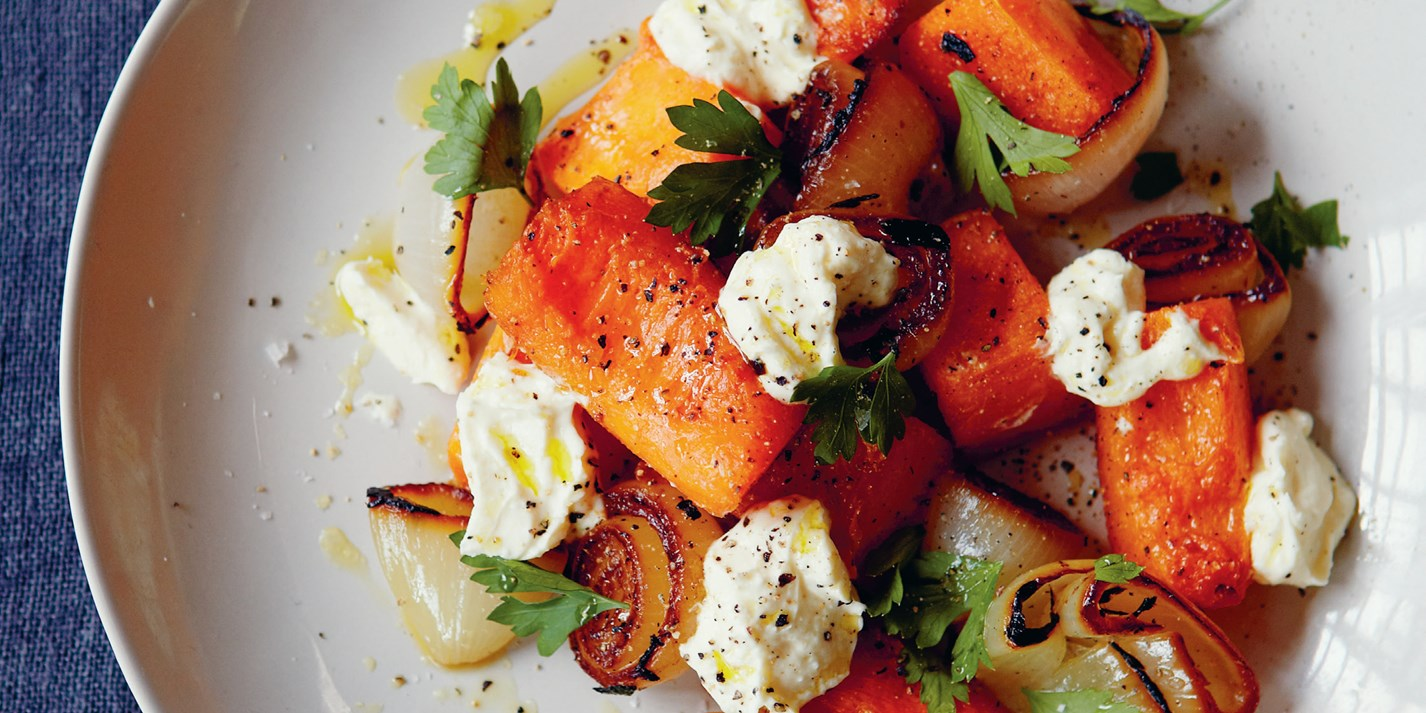 Salat iz tushenoj tykvy i zharenogo luka