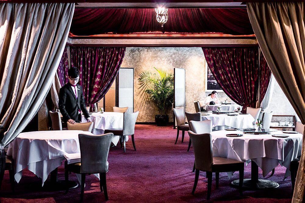 Ресторан T'ang Court (Гонк Конг)